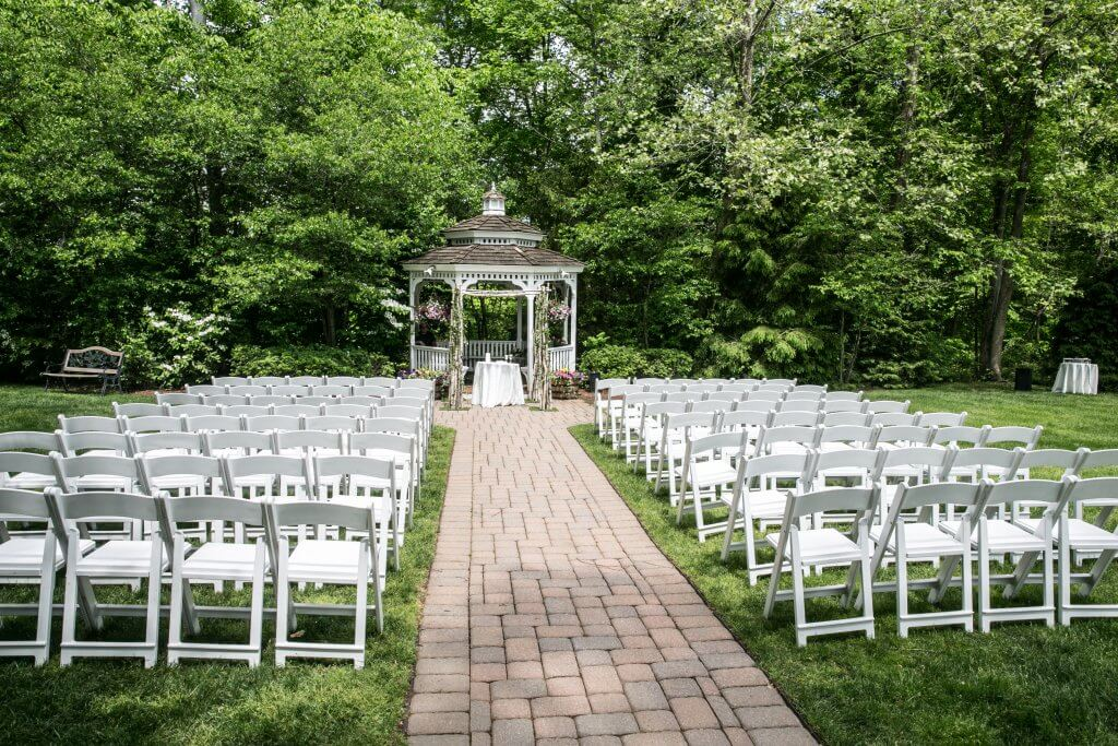 The Olde Mill Inn - Gazebo Chuppah