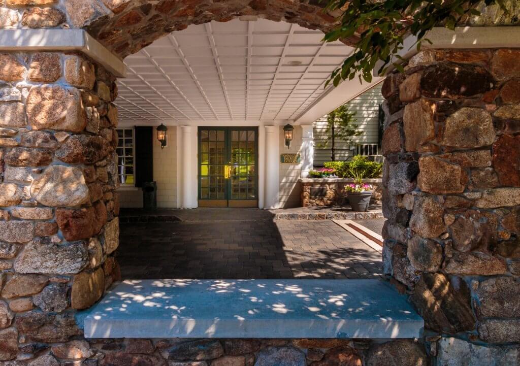 Olde Mill Inn Alternate Front Entrance