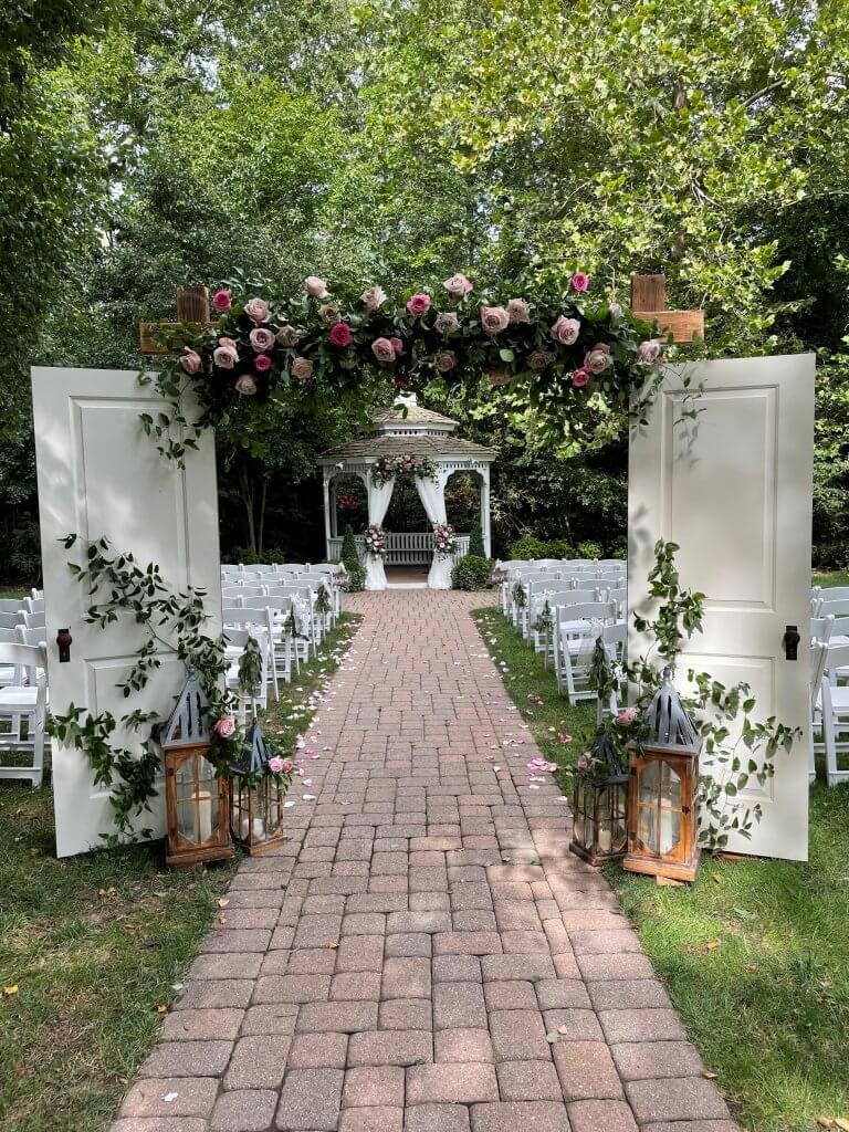 Hunt Room Outdoor Ceremony